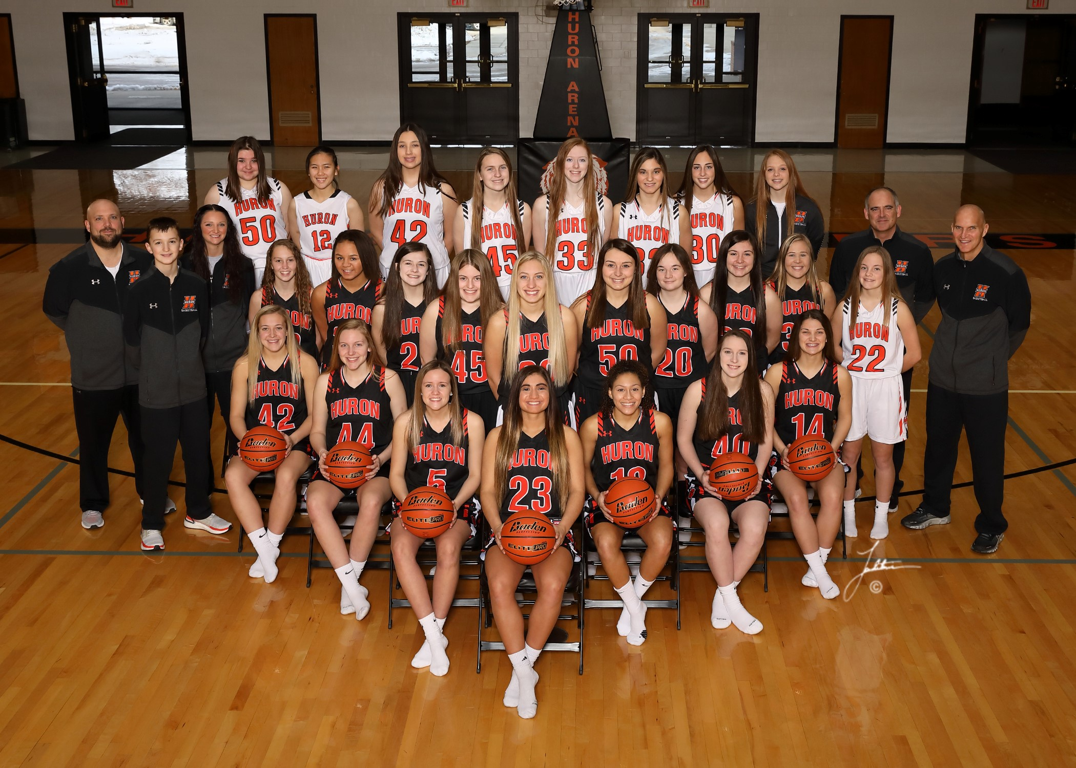 Girls Basketball 19-20.jpg
